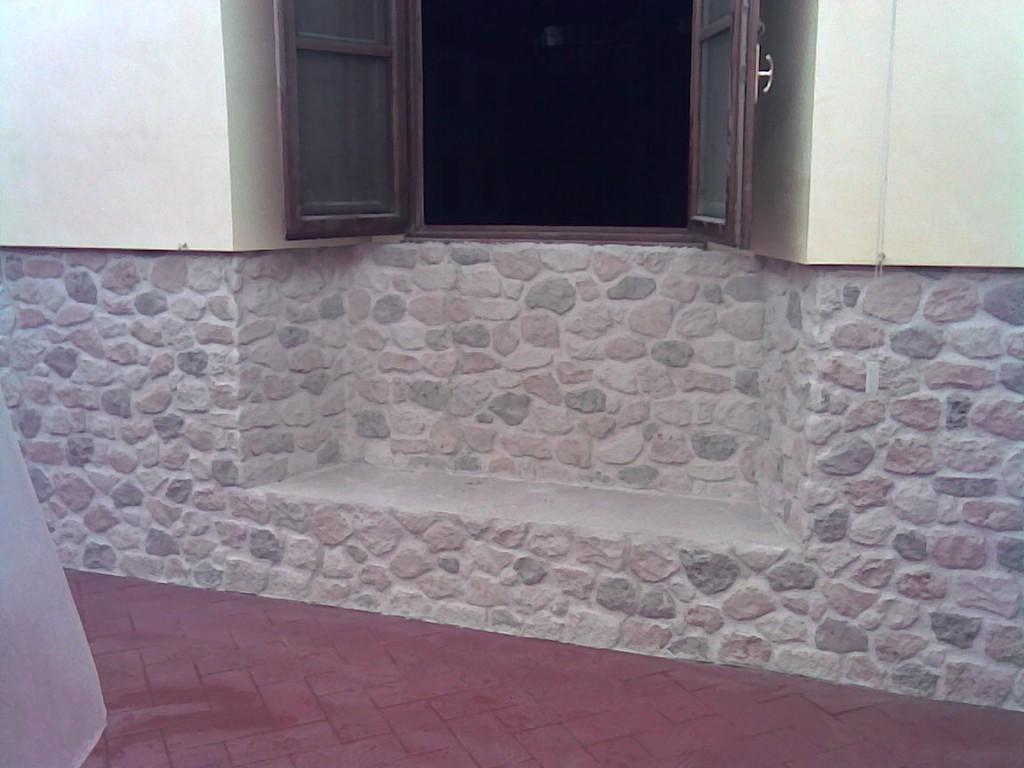Materiali pareti esterne simple tessere in resina for Prezzi roofingreen